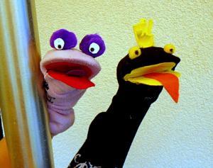 basteln-Handpuppen-Socken-Filz-Pompons